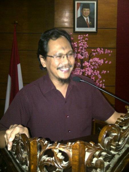Prof. Dr. H. Arif Hidayat M.Si